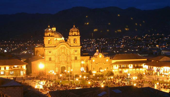 Plaza_de_Armas-cusco