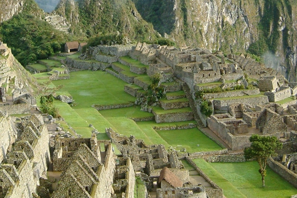 things-to-do-in-machu-picchu-central-plaza