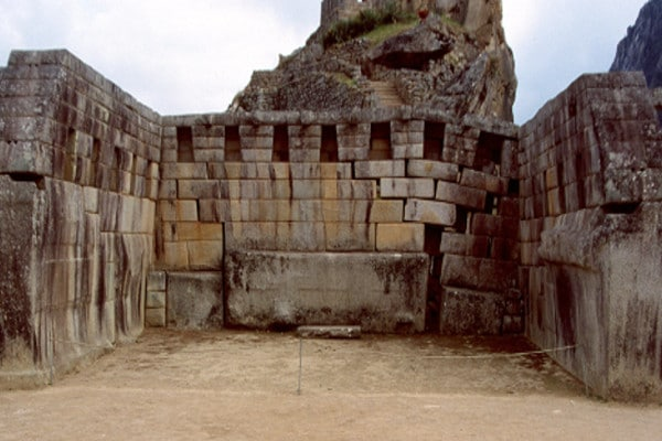 things-to-do-in-machu-picchu-pricipal-temple