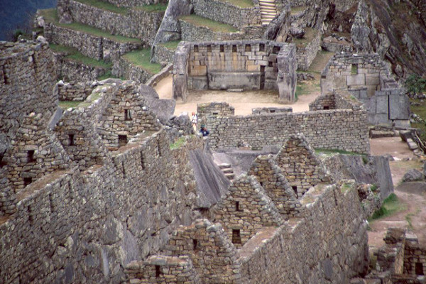 things-to-do-in-machu-picchu-priest-house