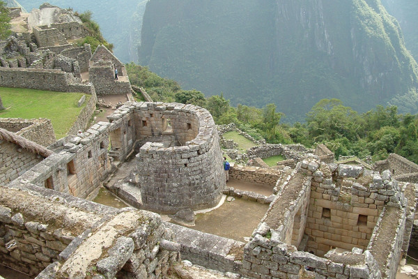 things-to-do-in-machu-picchu-sun-temple